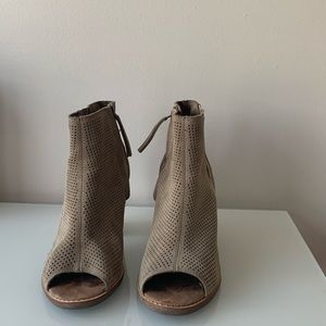Toms Shoes - Shoes